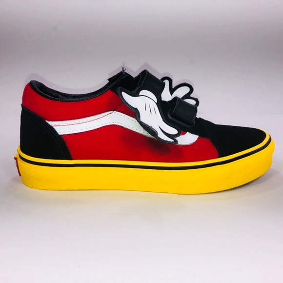 VANS Disney Old Skool Mickey Hugs Multicolor Shoes NWT